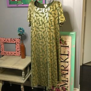 LuLaRoe 2XL Elegant Carly